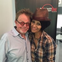 Podcast #16 – Linda Perry